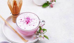 Pink Latte betarraga , producto hecho en chile con leche natural 100%. #latte #chile #goldenlatte #matchalatte #chailatte #pinklatte #especias #lattenatural #especiasreales #chile #empresachilena #andes #andestea #betarraga #beterraga